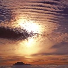 「雲上の甍」